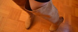 """Mode immer noch nichts für Mollige oder """"WOW, ich trage Overknees"""" (Copyright: Duo Boots, Foto: Astrid Listner)"""