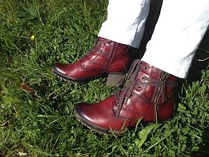Wie ich gerne untreu wurde oder warum der Herbst in schönem Rot Einzug hält (Copyright: Jana-Schuhe; Foto: Astrid Listner)