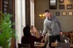 Ja, nein, vielleicht – die geheimen Signale beim Flirten ODER warum Mann und Frau beim Flirten anders reagieren (Copyright: Tyler Olson - Fotolia.com)